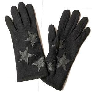 New wool gloves with leatherette stars stitched